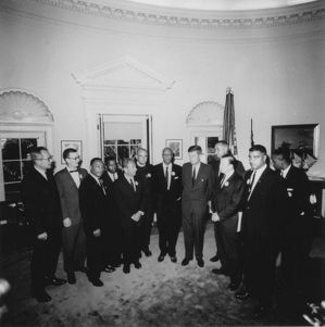 596px-JFK_meets_with_leaders_of_March_on_Washington_8-28-63.JPG