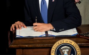 Pres.Obama signs Health Care Reform bill March23-10.png