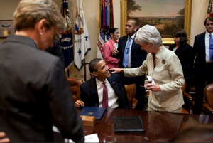 Pres.Obama with Sebelius June24-09.png